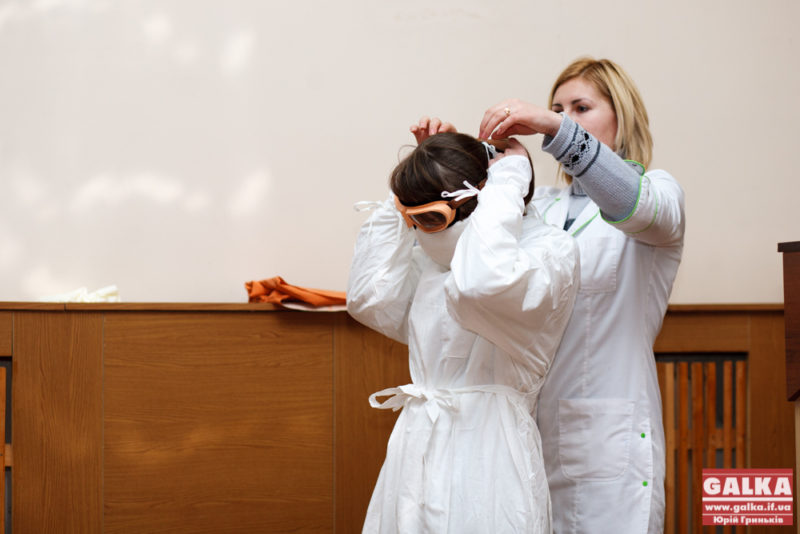Ебола, епідемія, лікарі, костюм, хвороба_9473