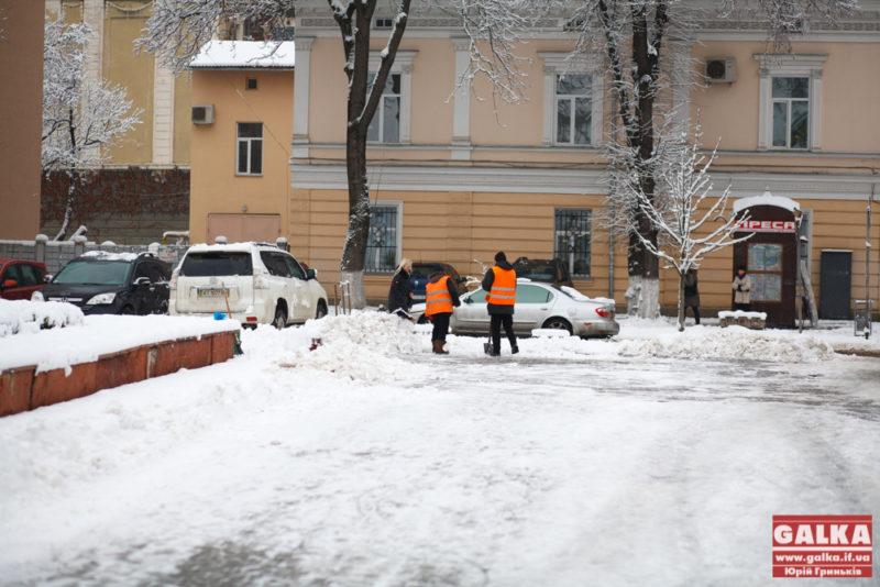 Сніг, іній, погода, Франківськ, ратуша_9586