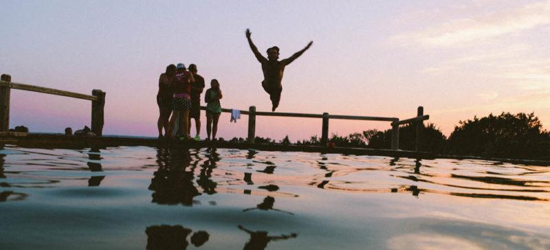 Ризикували життям заради фото: прикарпатці продовжують порушувати правила поведінки на воді