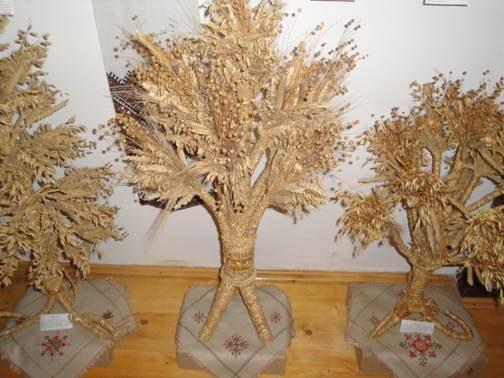 В Івано-Франківську майстри презентували вироби із соломи (відеосюжет)