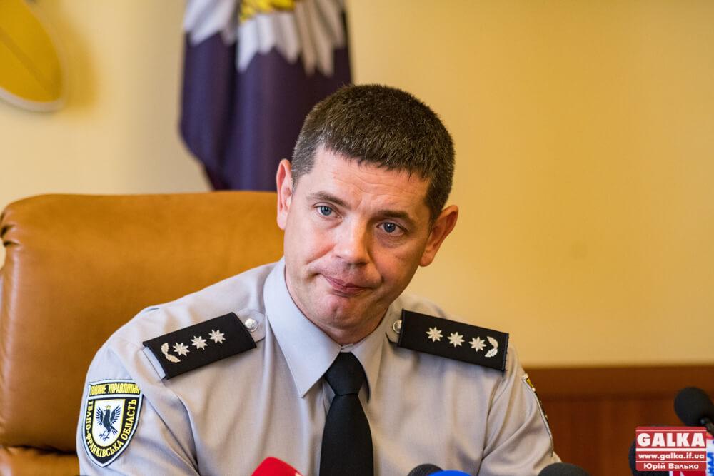 Начальник поліції Прикарпаття не коментує затримання підлеглого за хабар у 5 тисяч доларів США – справу веде ДБР