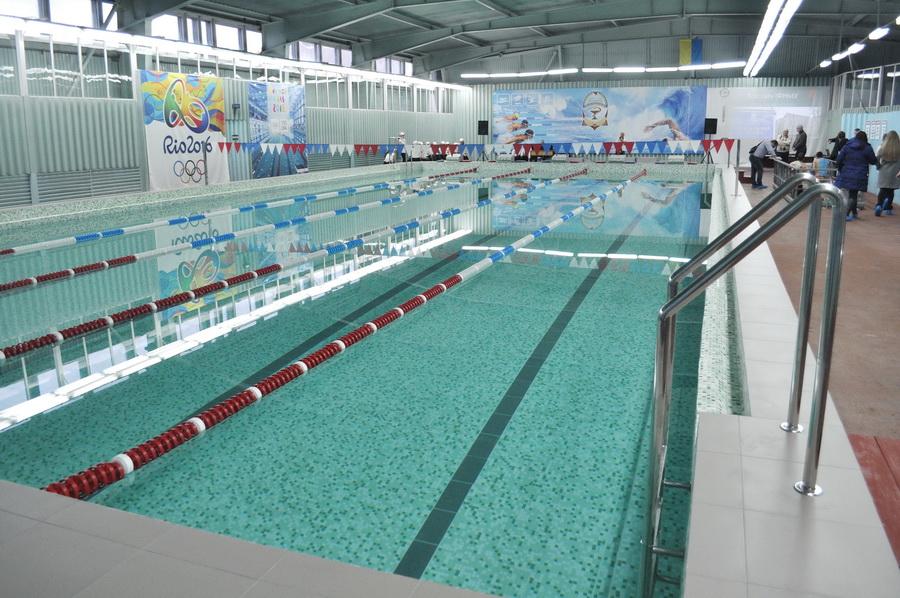 У Франківському медуніверситетіпісля реконструкції відкрили оновлений басейн (ФОТО)