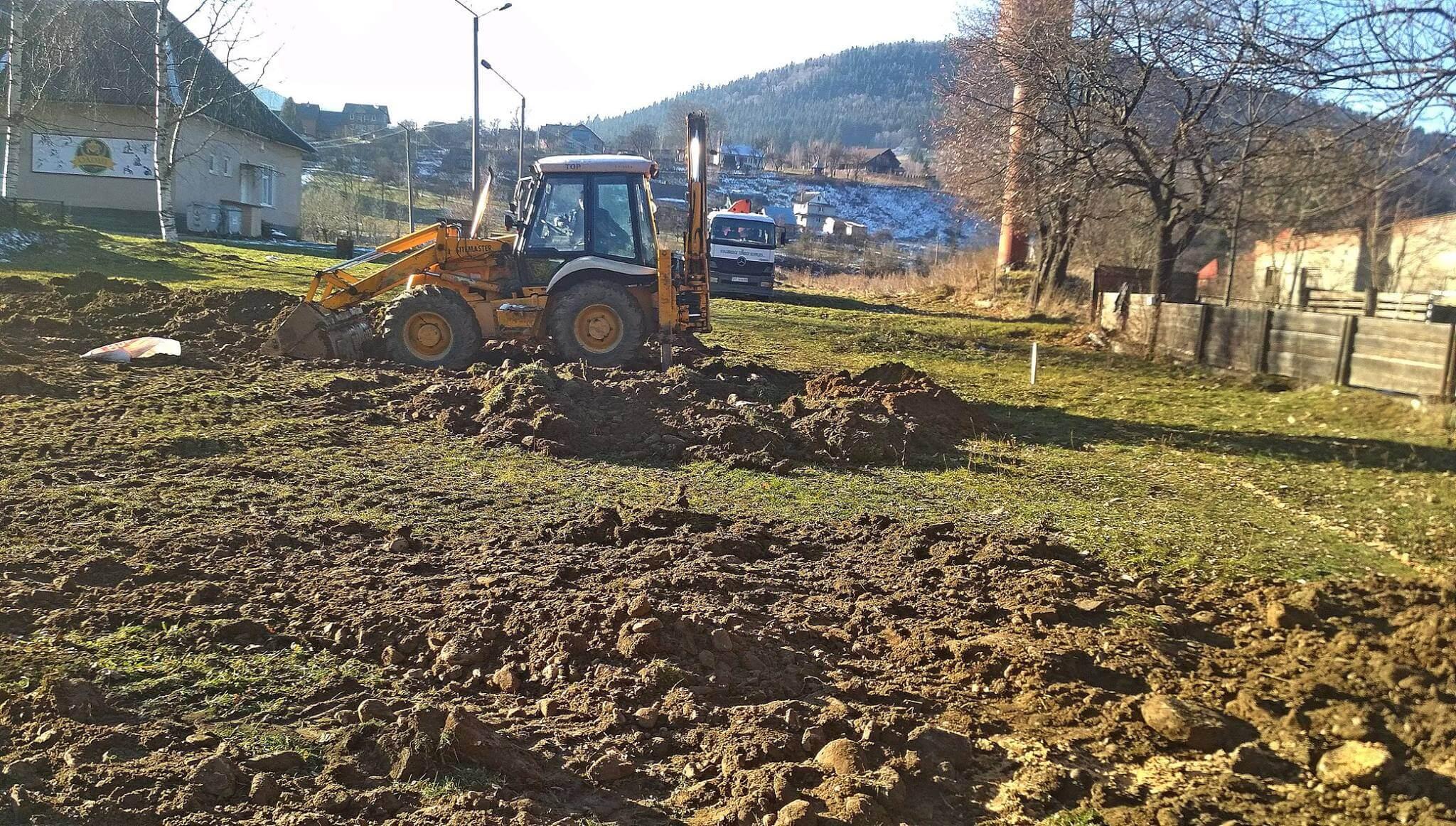 У Татарові взялися за будівництво нової амбулаторії (фоторепортаж)