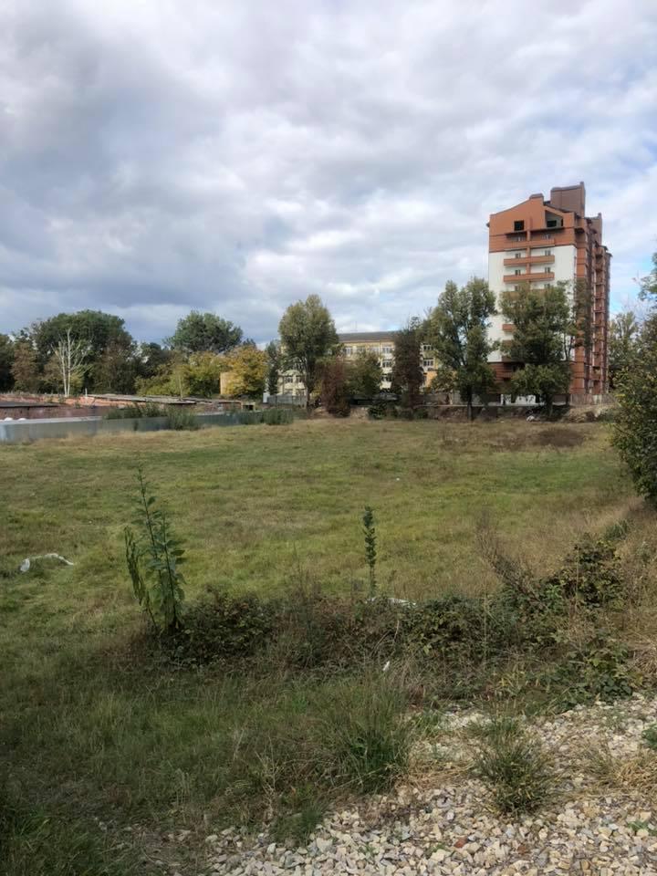 Депутатів хвилює можлива забудова стадіону біля міського озера