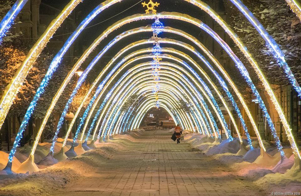 У мережі з'явилися казкові світлини зимового Франківська (ФОТО)