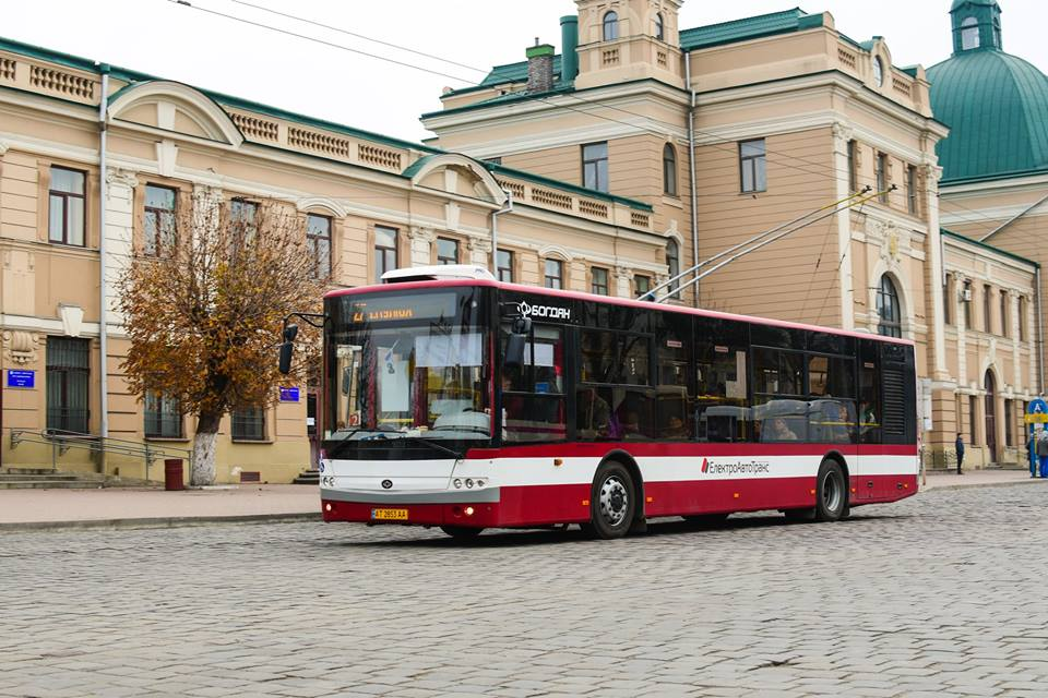 Мер Івано-Франківська спробував себе у ролі водія автобуса (ВІДЕО)