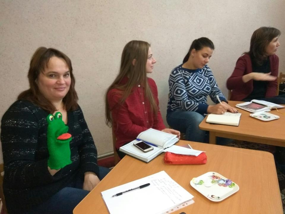 У Франківську вчителів-логопедів навчали використовувати логозарядки та мовні розминки (ФОТО)