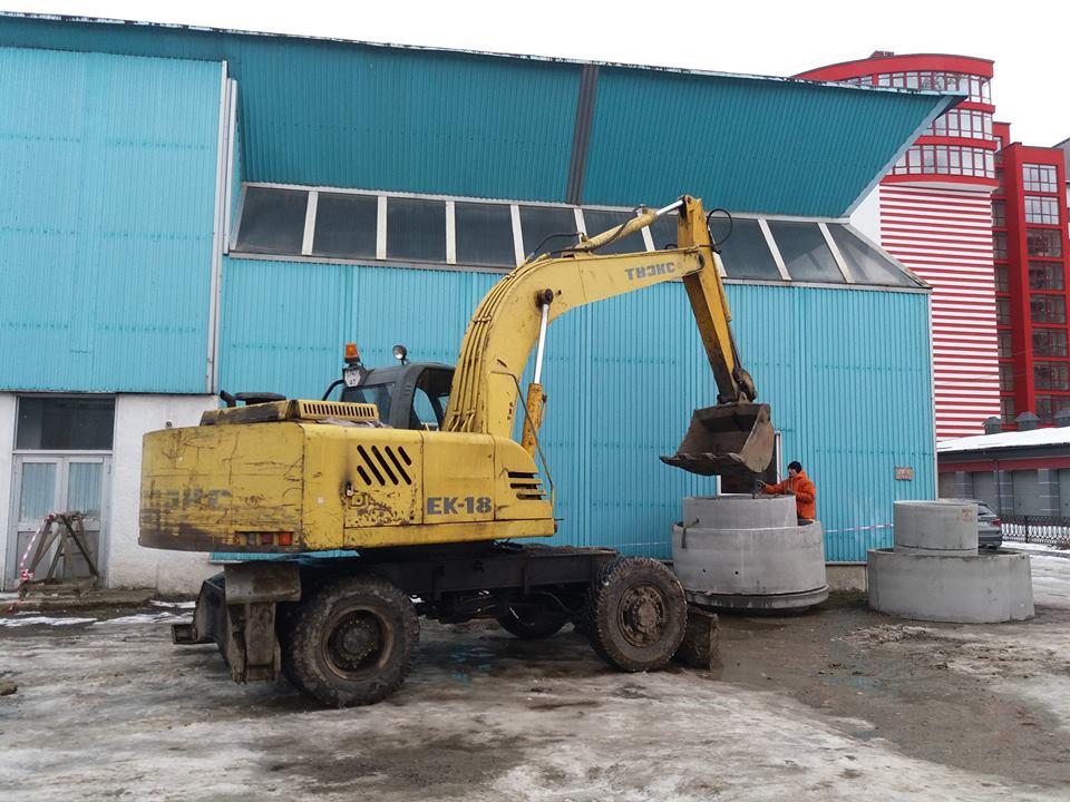 У Франківську поблизу ФОКу почали будувати басейн за 87 мільйонів (ФОТО)