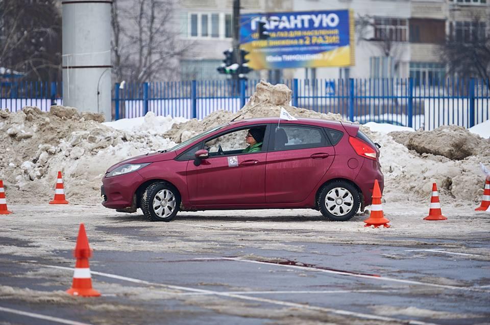 У Франківську відбулися жіночі автоперегони з фігурного водіння (ФОТО, ВІДЕО)