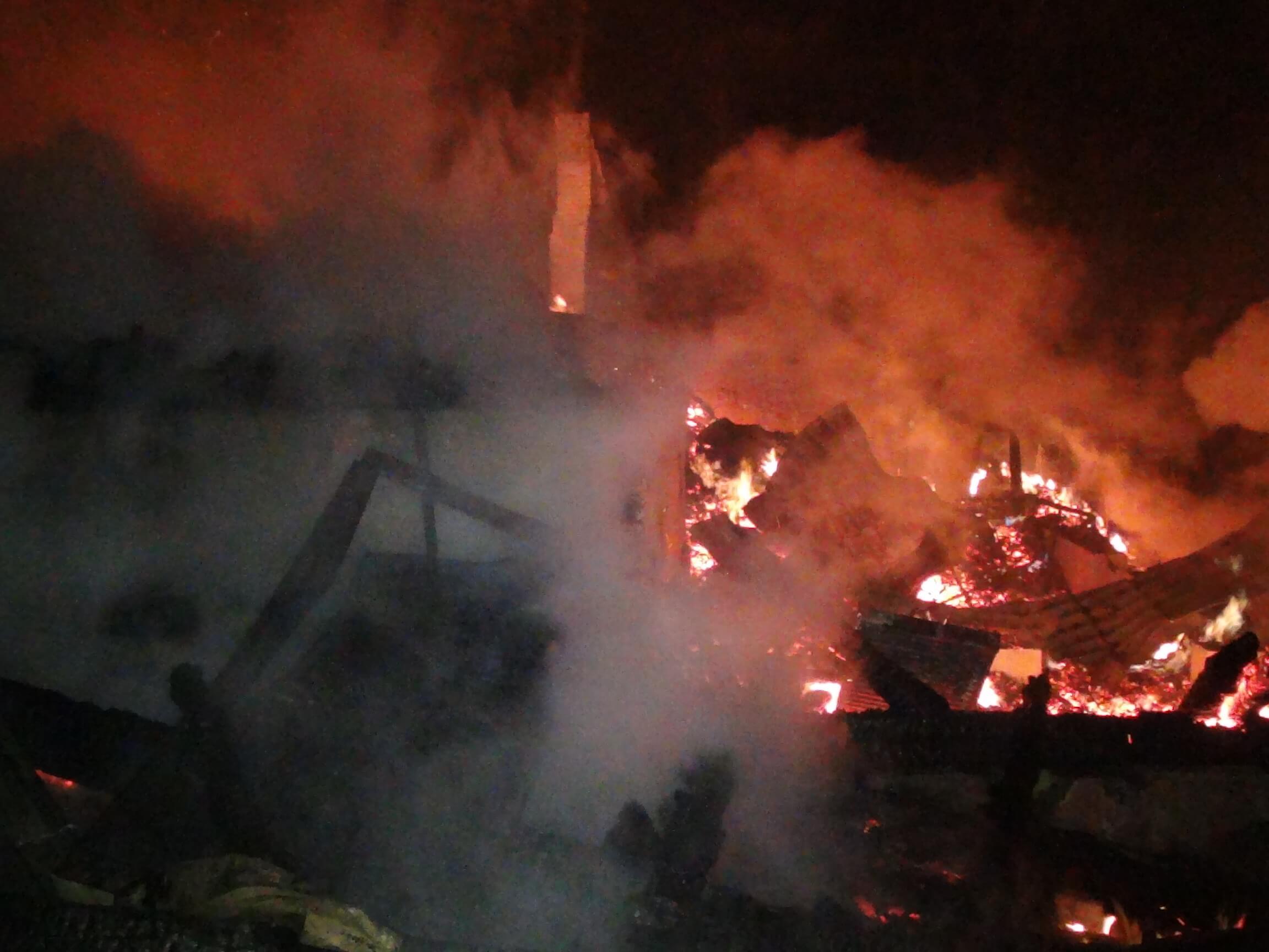 Тіло на згарищі після пожежі готелю у Яблуниці – працівника закладу (ФОТО)