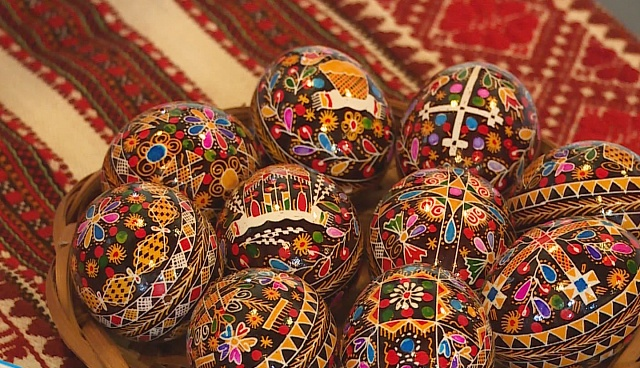 Прикарпатські писанкарі зустрілись у Коломиї (ВІДЕО)