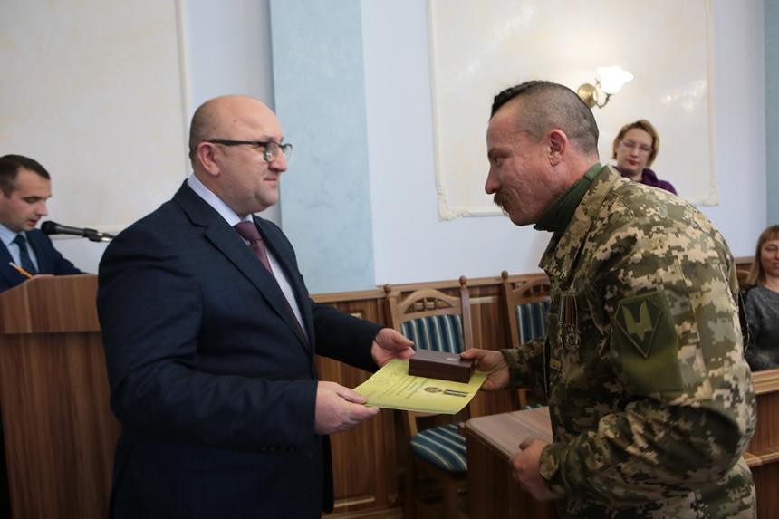 Прикарпатських волонтерів нагородили високими відзнаками (ФОТО)