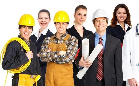 Міський голова пропонує перекваліфікувати інженерів і сантехніків МІУК у косарів