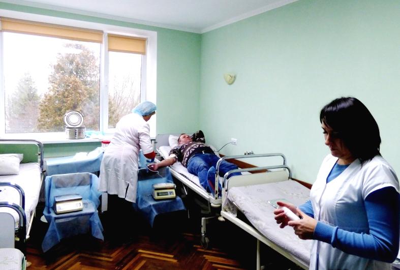 Небайдужі прикарпатці здали кров задля порятунку життів (ФОТО)
