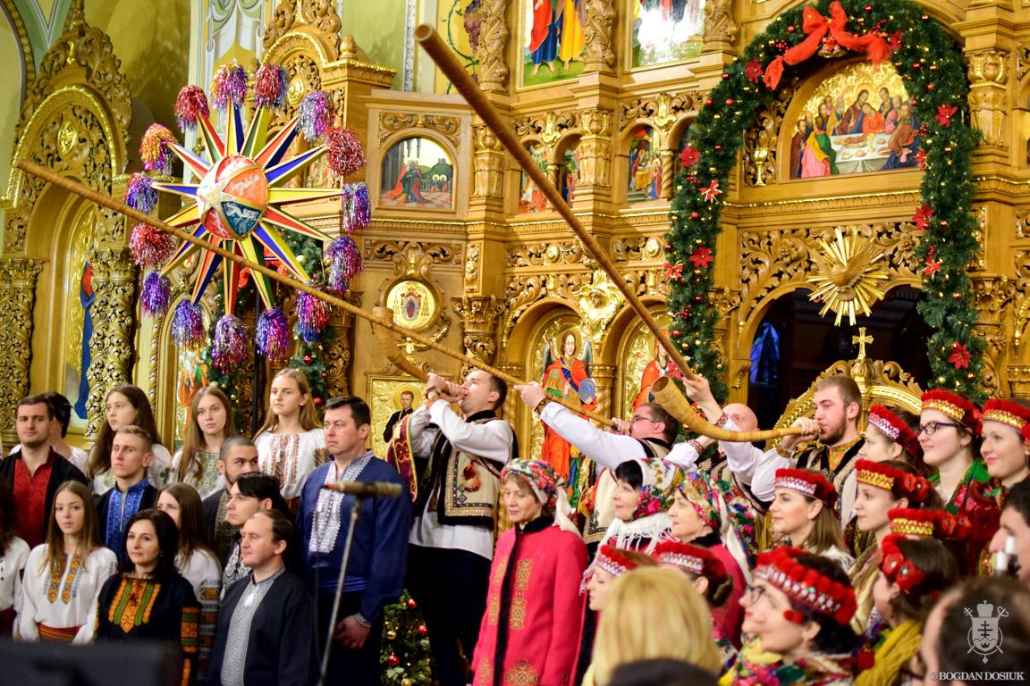 Стала відома повна програма ювілейного фестивалю «Коляда на Майзлях»