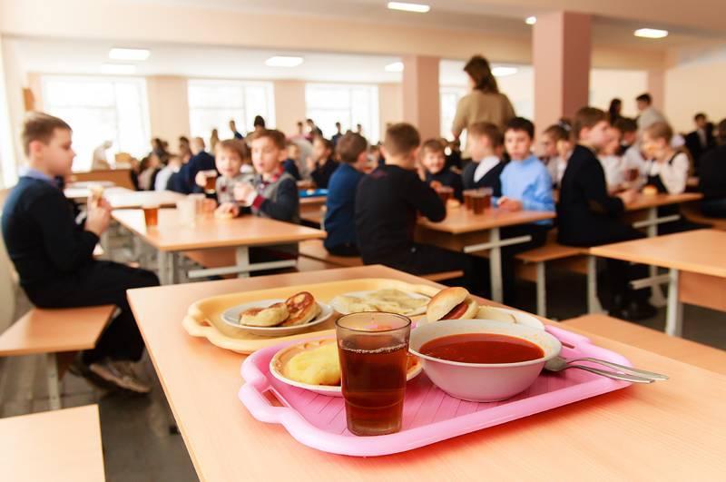 У прикарпатських школах після перевірок їдалень змінили постачальників їжі