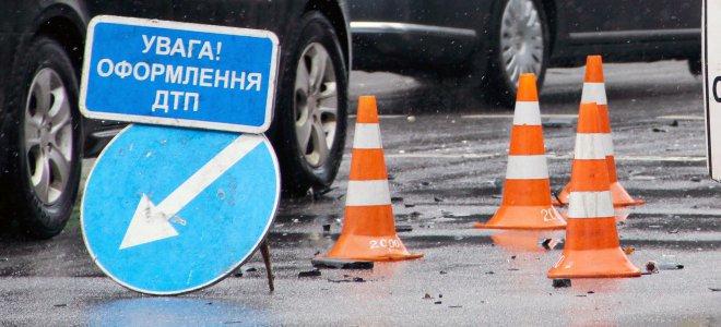 У Франківську на пішохідному переході Камаз збив дитину: 13-річна дівчинка – в лікарні (ФОТОФАКТ)