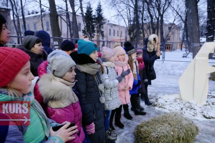 Палац Потоцьких прийняв перших колядників (ФОТО, ВІДЕО)