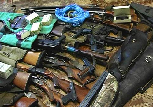 Майже 200 випадків незаконного обігу зброї зафіксували минулого року на Прикарпатті