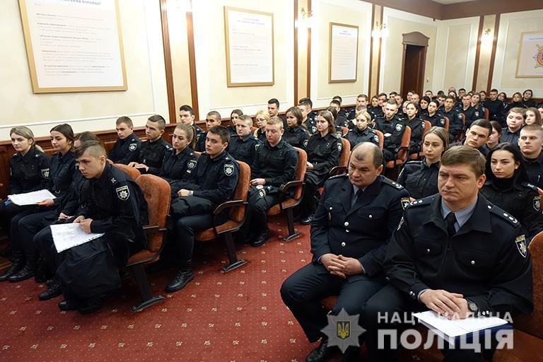 Понад 150 курсантів стажуватимуться в підрозділах прикарпатської поліції (ФОТО)