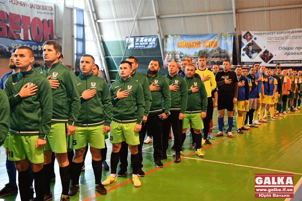 У Франківську атовці розпочали футбольний турнір пам'яті полеглих захисників ДАПу (ФОТО)