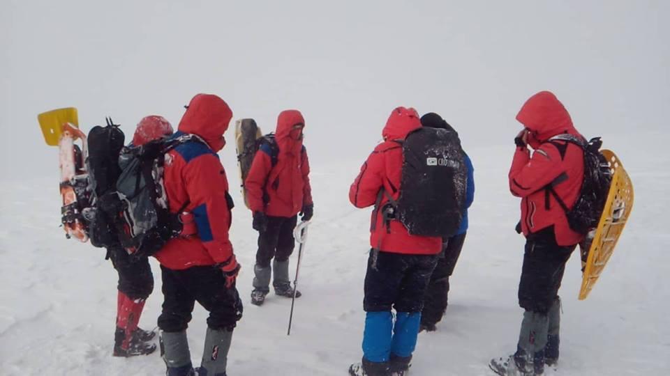 Рятувальники знайшли тіло зниклого у Карпатах туриста, іншого досі шукають (ФОТО)