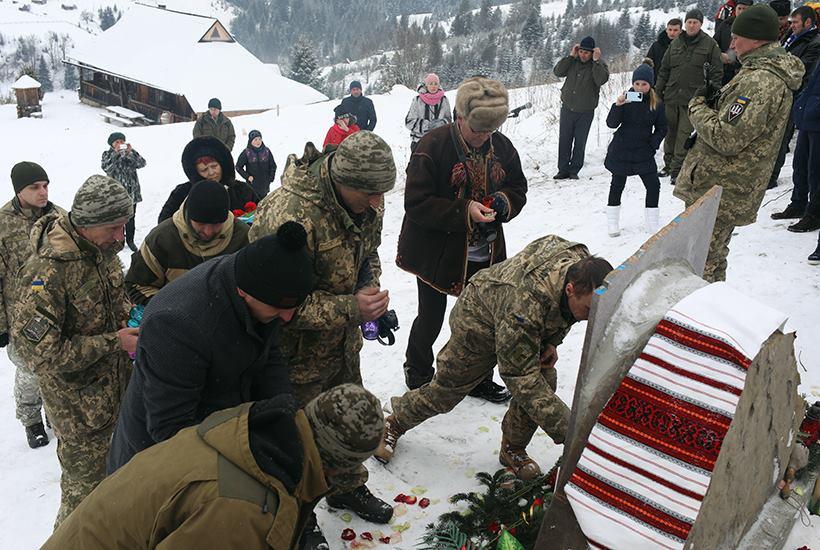 На Івано-Франківщині відкрили стелу загиблим воїнам АТО (ФОТО)