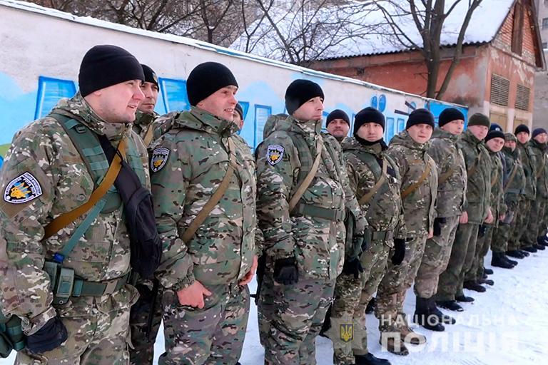 Прикарпатські поліціянтивирушили до зони операції об'єднаних сил (ФОТО)