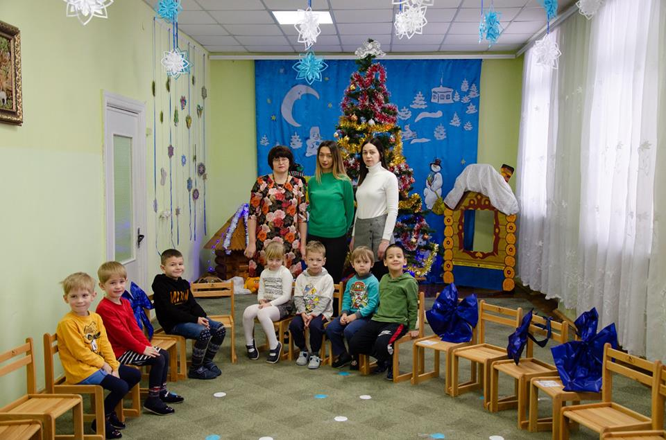 У Франківську зібрали кошти на стільці та ноутбук для діток з важкими вадами мовлення (фоторепортаж)