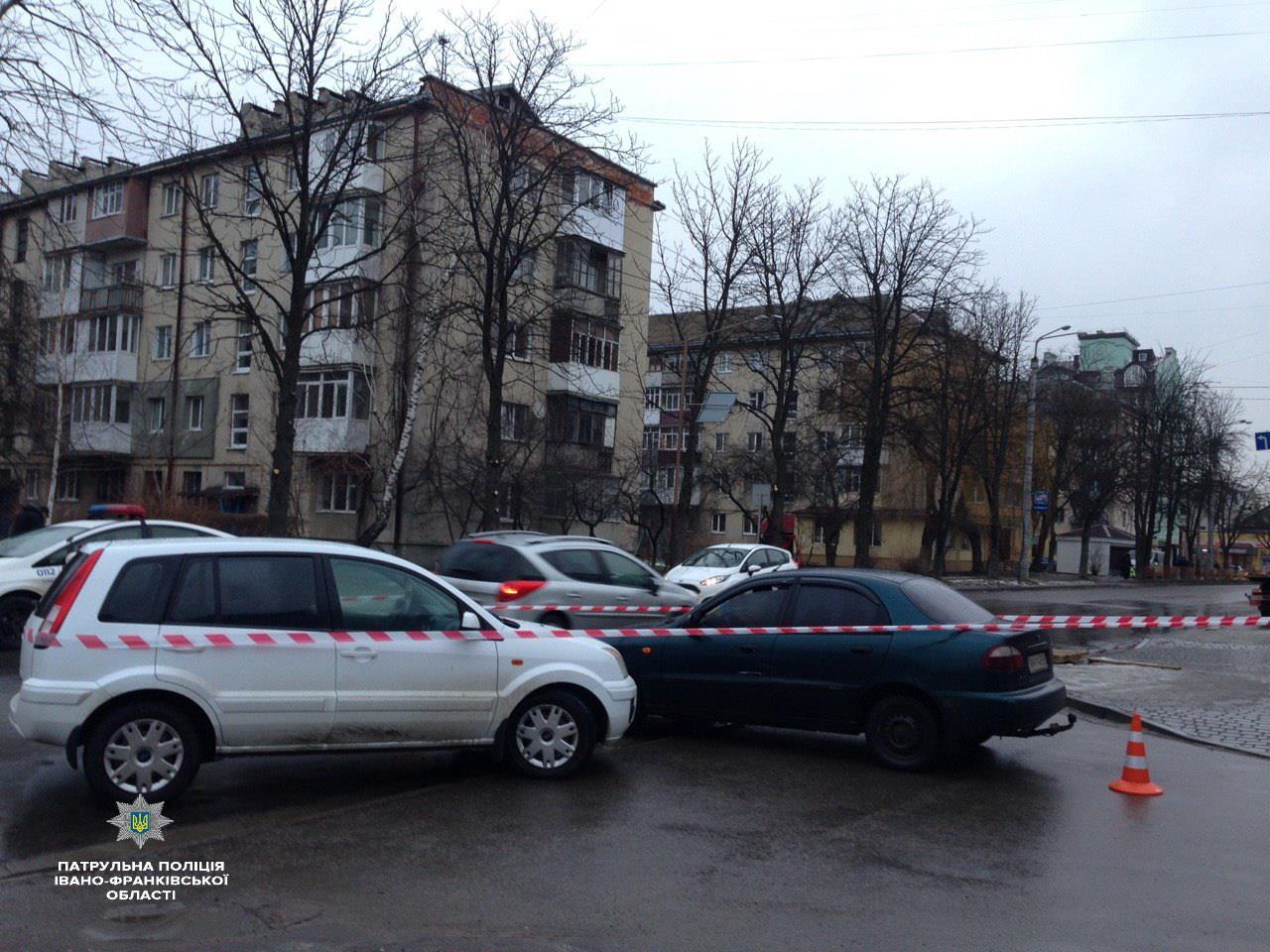 У Франківську п'яний водій з дитиною в машині вчинив дві ДТП і втікав від поліції (ФОТО)