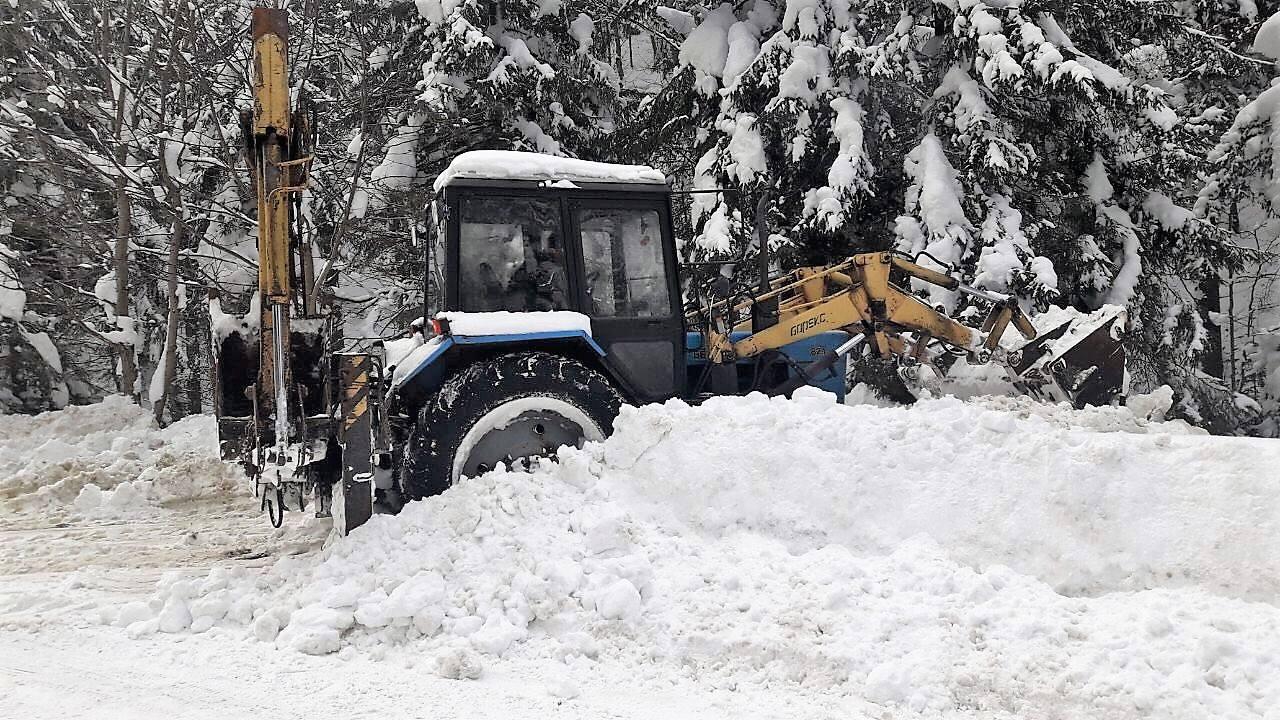 Дорогу Долина – Хуст у високогір'ї замело снігом. Проїзд ускладнений (фоторепортаж)