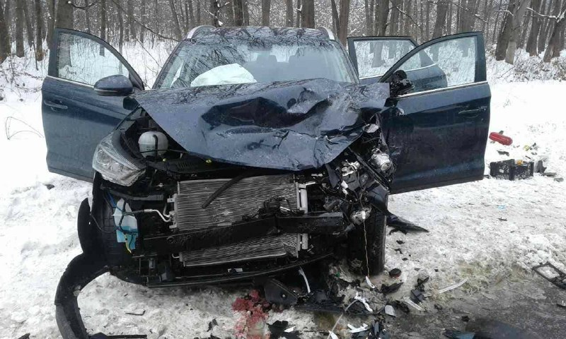 З'явилися подробиці ДТП на Калущині: водій втратив рівновагу через погані погодні умови (ФОТО)