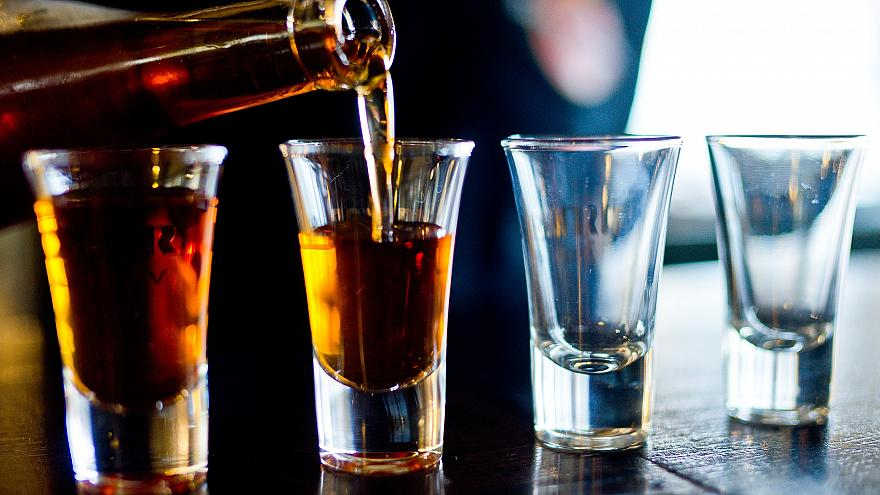 Франківець купував дітям алкоголь і випивав з ними