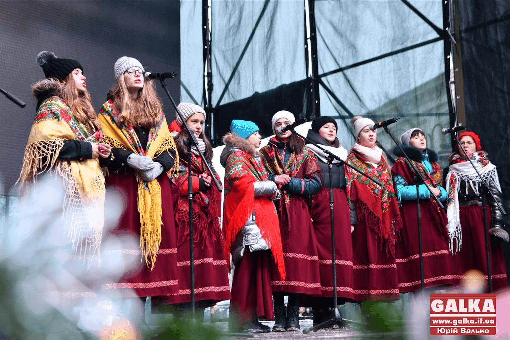 У Франківську триває міжнародний фестиваль «Коляда на Майзлях» (ФОТО,ВІДЕО)