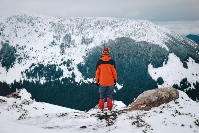Прикарпатські рятувальники нагадують, як правильно організовувати зимовий похід у гори