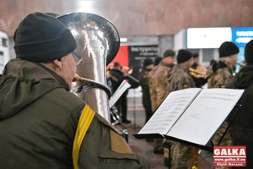 У Франківську пам'ятним концертом вшанували захисників Донецького аеропорту (ФОТО, ВІДЕО)