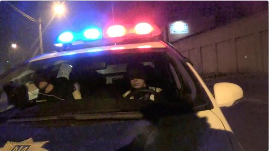 Вночі в Калуші п'яний керманич втікав від поліції на авто