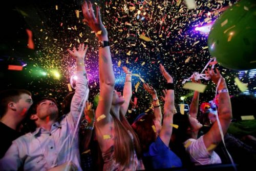 У США вчителька організувала новорічну вечірку для школярів з алкоголем і марихуаною