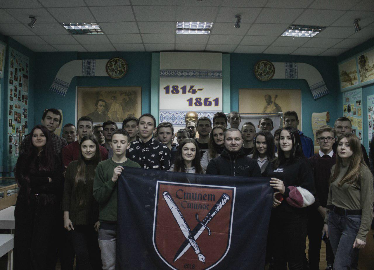 В Івано-Франківську відбувся вечір юнацької творчості (ФОТО)