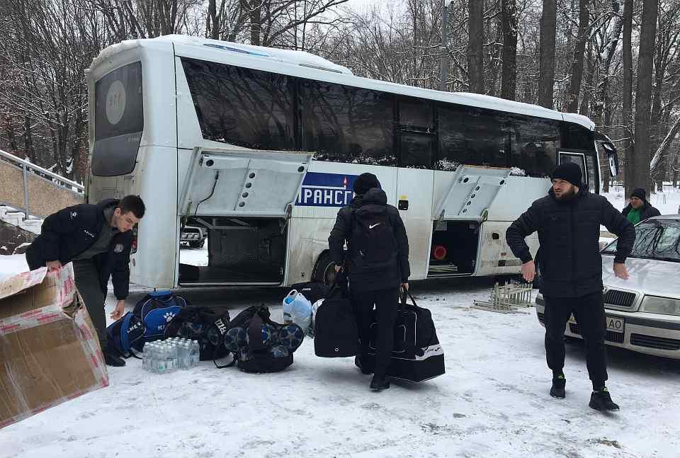 """Гравці """"Прикарпаття"""" та потенційні новачки клубу вирушили на перший тренувальний збір (ФОТО)"""