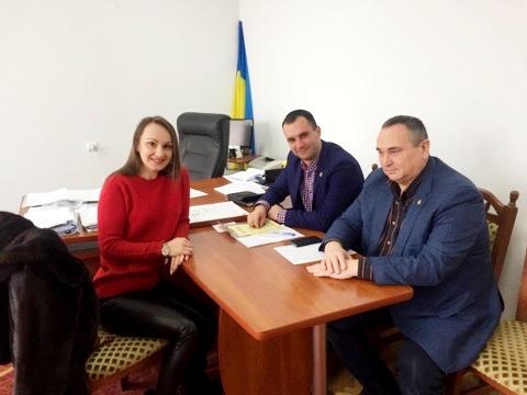 Союз українок Америки передали Богородчанській ЦРЛ медичне обладнання