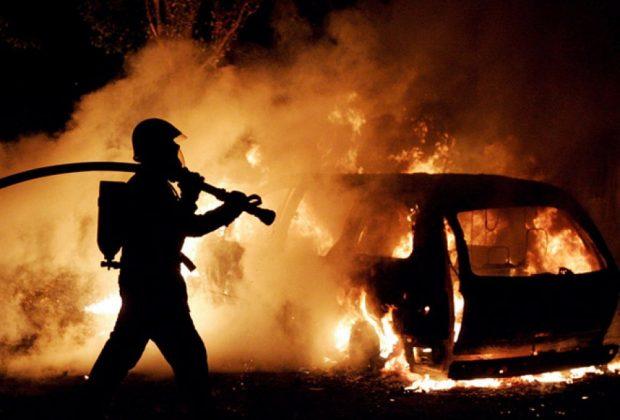 Вранці у Коломиї загорілись два автомобілі