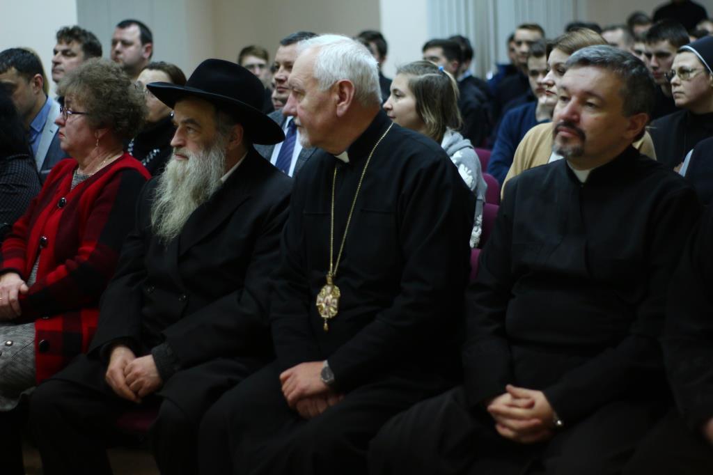 В Івано-Франківську презентували книгу про голокост євреїв Прикарпаття (ФОТО)