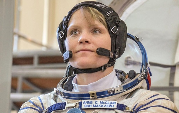 Вперше в історії відразу дві жінки вийдуть у відкритий космос