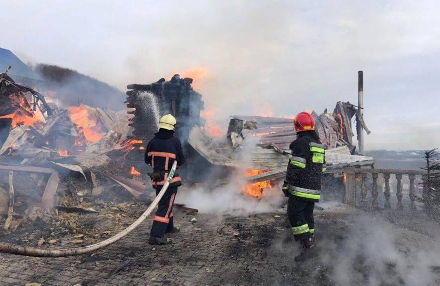 Пожежу на чоловічому монастирі на Богородчанщині повністю загасили