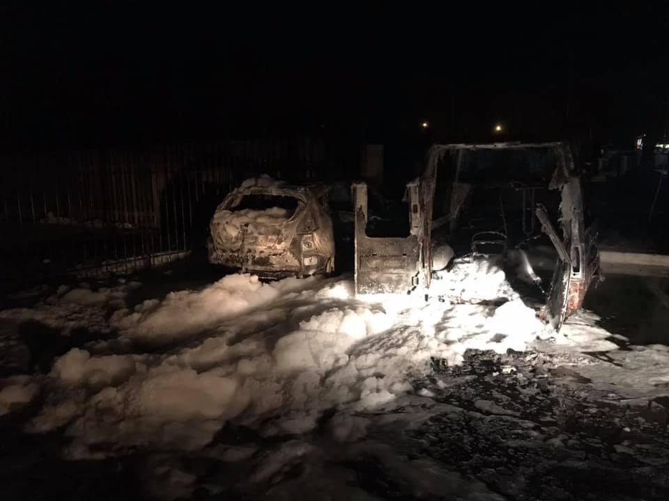 Журналісту з Прикарпаття спалили автомобіль. Потерпілий у всьому звинувачує військового прокурора (фото+відео)