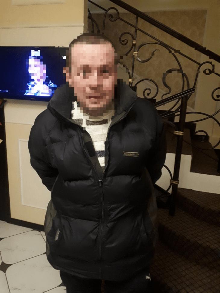 """В одному з франківських готелів """"на гарячому"""" спіймали крадія (фотофакт)"""