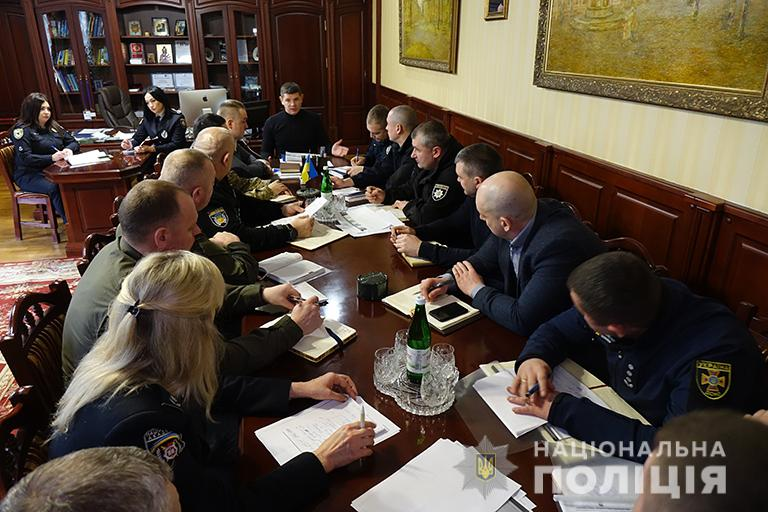 Понад 2000 прикарпатських правоохоронців слідкуватимуть за публічним порядком на виборах (ФОТО)