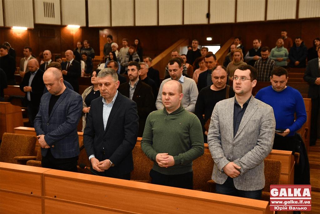 Позачергова сесія міської ради у світлинах (ФОТО)