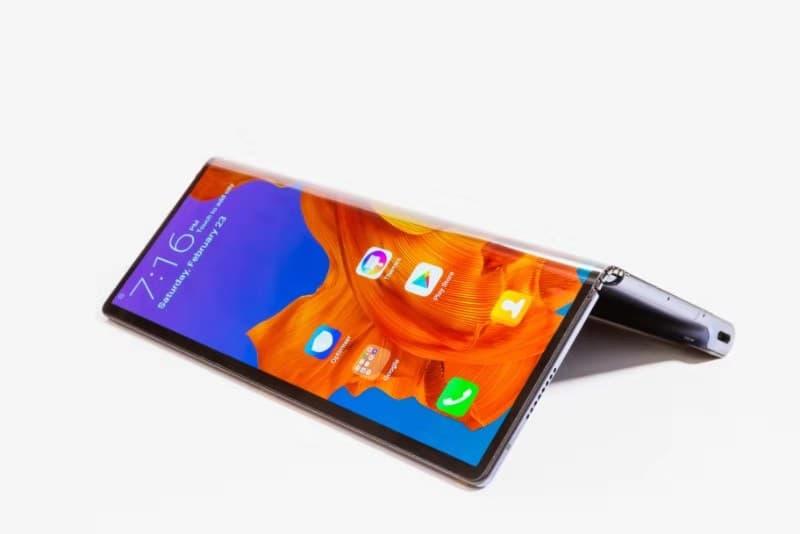 Huawei представив складаний смартфон Mate X